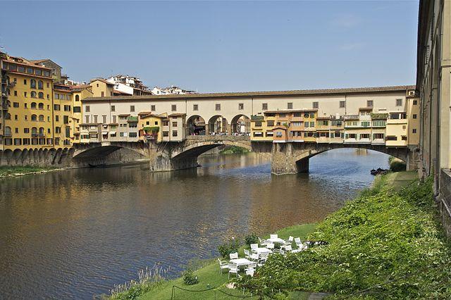 Ponte_Vecchio_Arno_Florence --640